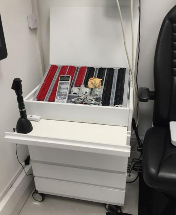 Grafton Trial Lens Cabinet Desks Amp Tables Fixtures