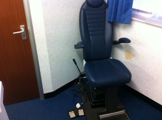 FRASTEMA SIGHT TEST CHAIR
